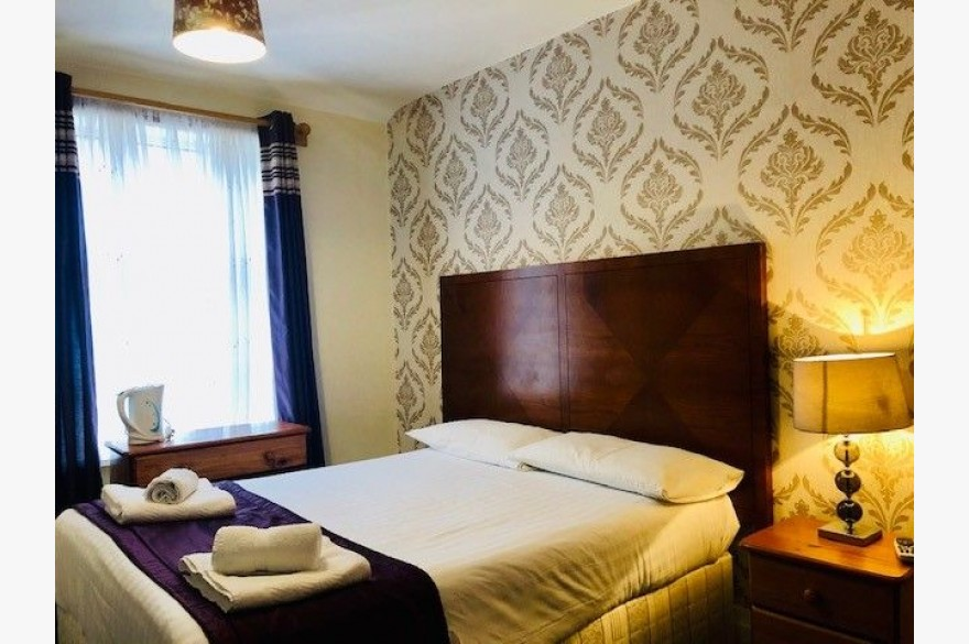 15 Bedroom Hotel For Sale - Photograph 9
