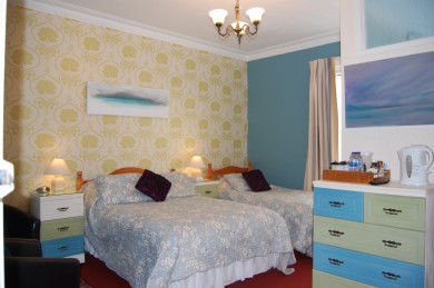 8 Bedroom Hotel For Sale - Image 12