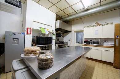 30 Bedroom Hotel For Sale - Photograph 6