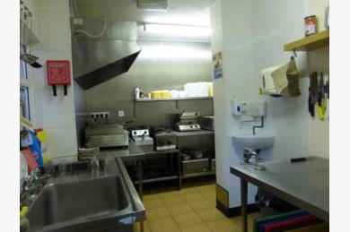 3 Bedroom Cafe Catering Leasehold For Sale - Image 4