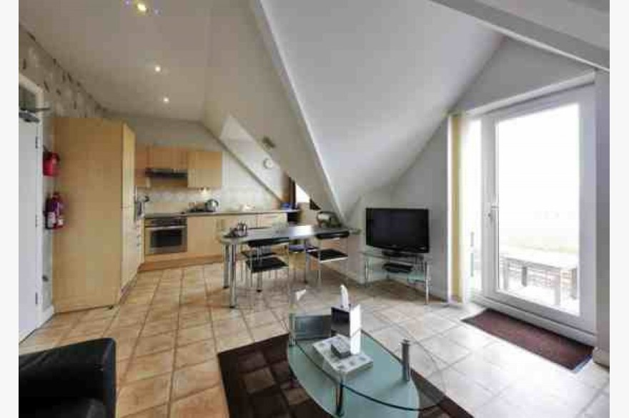 7 Bedroom Holiday Flats For Sale - Image 2
