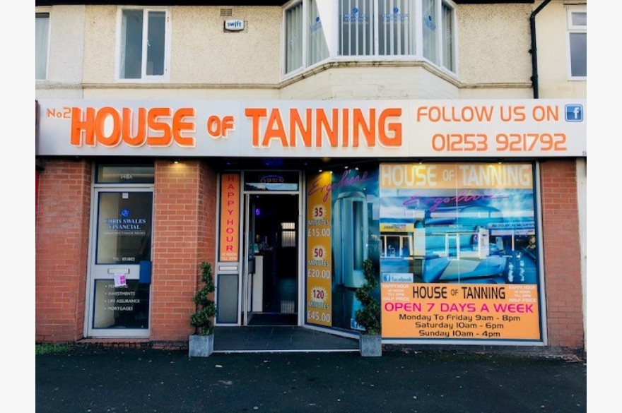 Hairdressers/tanning/beauty Retail Leasehold For Sale - Image 8