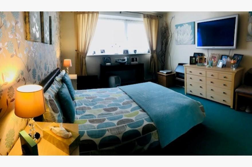 17 Bedroom Hotel For Sale - Image 12