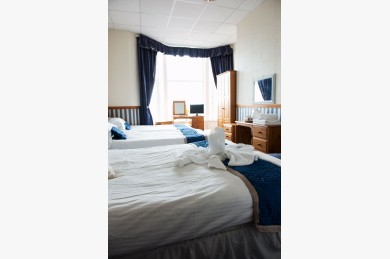 30 Bedroom Hotel For Sale - Photograph 12