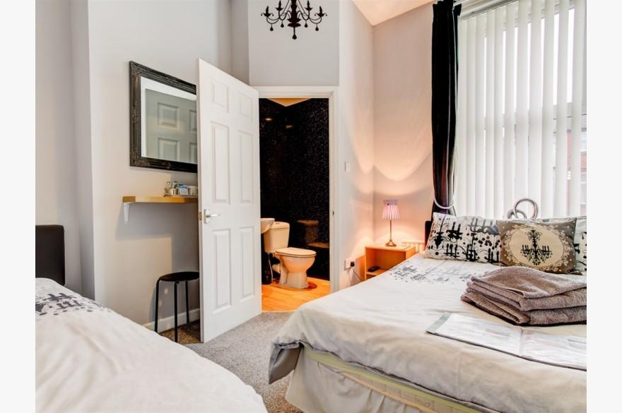 10 Bedroom Hotel Hotels Freehold For Sale - Image 15