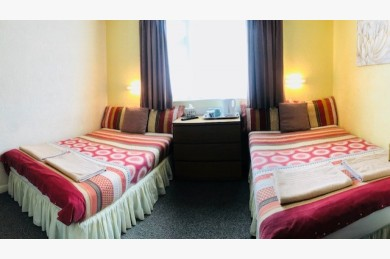 17 Bedroom Hotel For Sale - Image 6