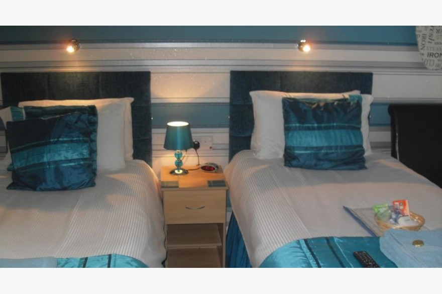 9 Bedroom Hotel Hotels Freehold For Sale - Image 4