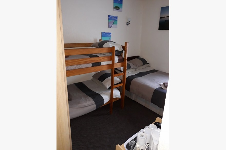 10 Bedroom Hotel Hotels Freehold For Sale - Image 10