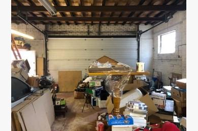 Garage For Sale - Photograph 3