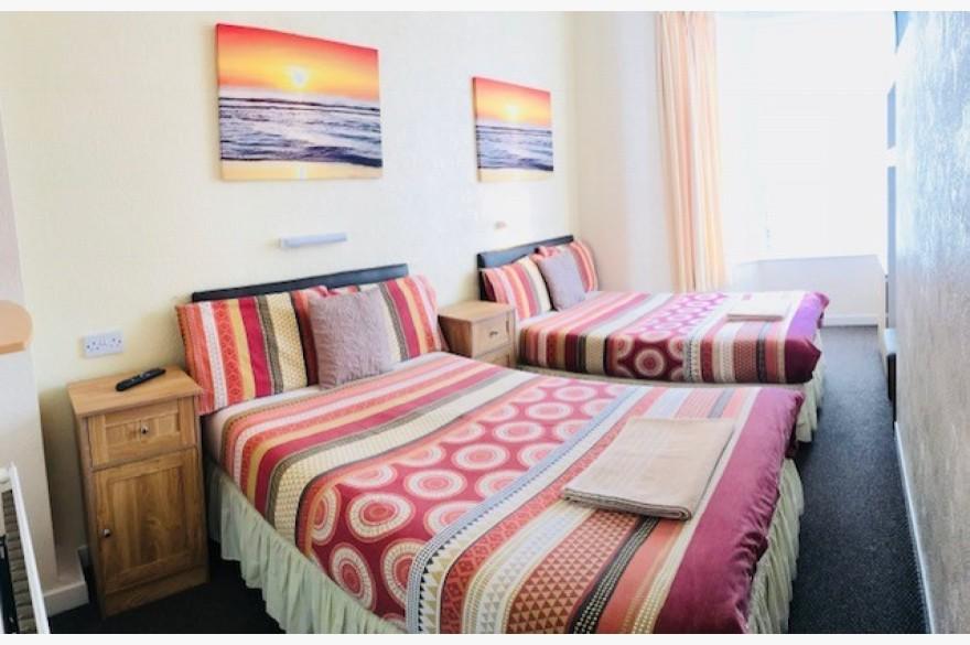 17 Bedroom Hotel For Sale - Image 4