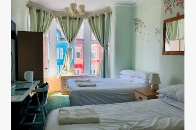 18 Bedroom Hotel For Sale - Photograph 5