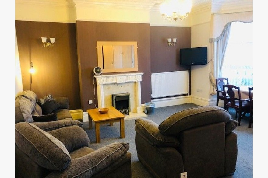7 Bedroom Holiday Flats For Sale - Photograph 5