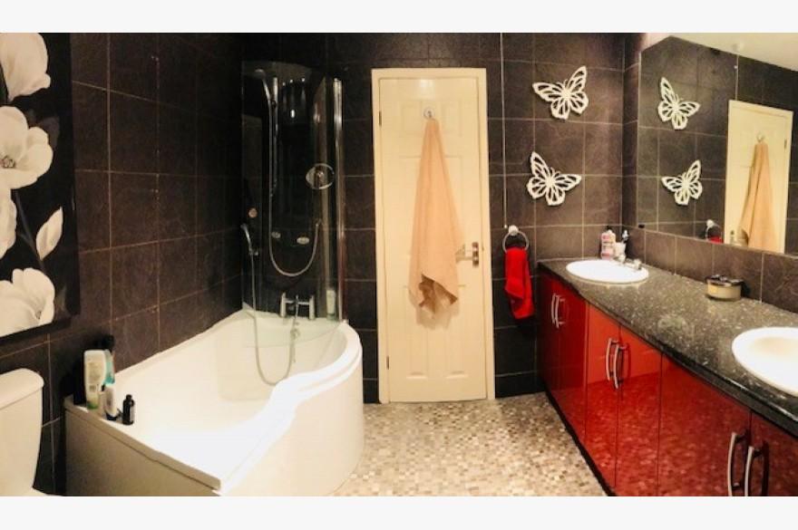 17 Bedroom Hotel For Sale - Image 11