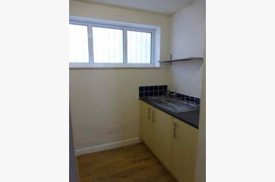2 Bedroom Shop & Flat Investments For Sale - Image 9