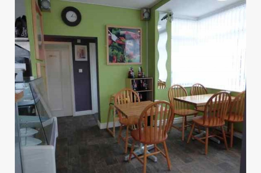 3 Bedroom Cafe Catering Leasehold For Sale - Image 3