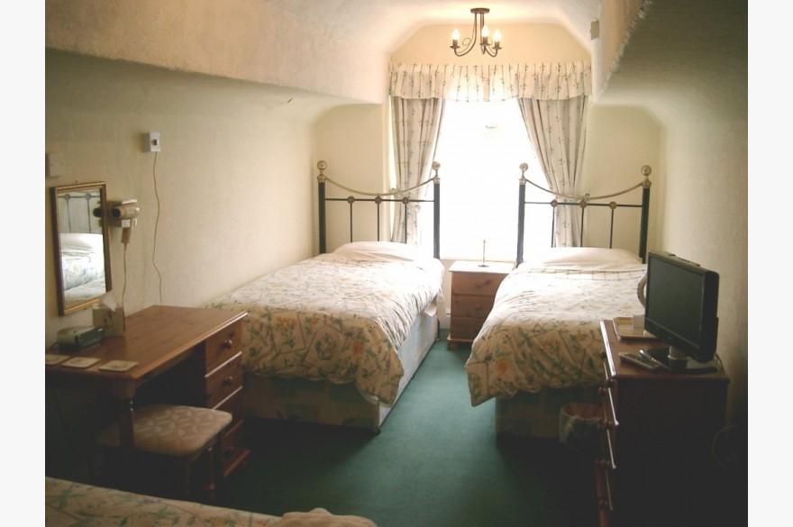 7 Bedroom Hotel Hotels Freehold For Sale - Image 4