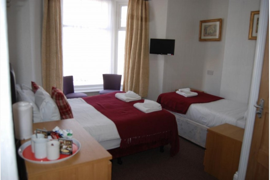 21 Bedroom Hotel Hotels Freehold For Sale - Image 3