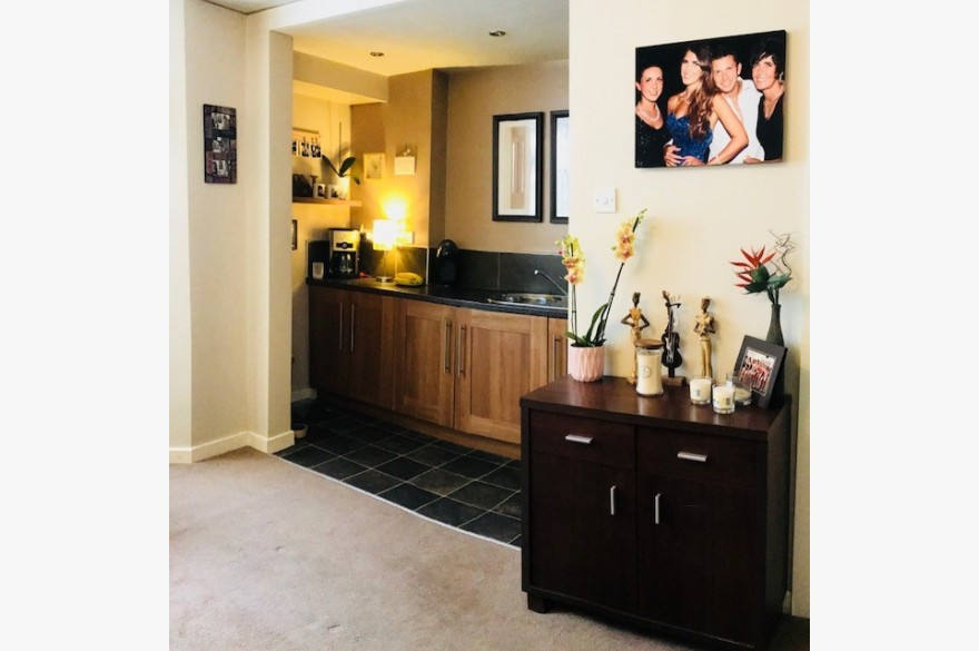 17 Bedroom Hotel For Sale - Image 8