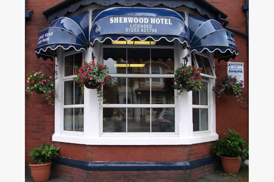15 Bedroom Hotel For Sale - Photograph 1