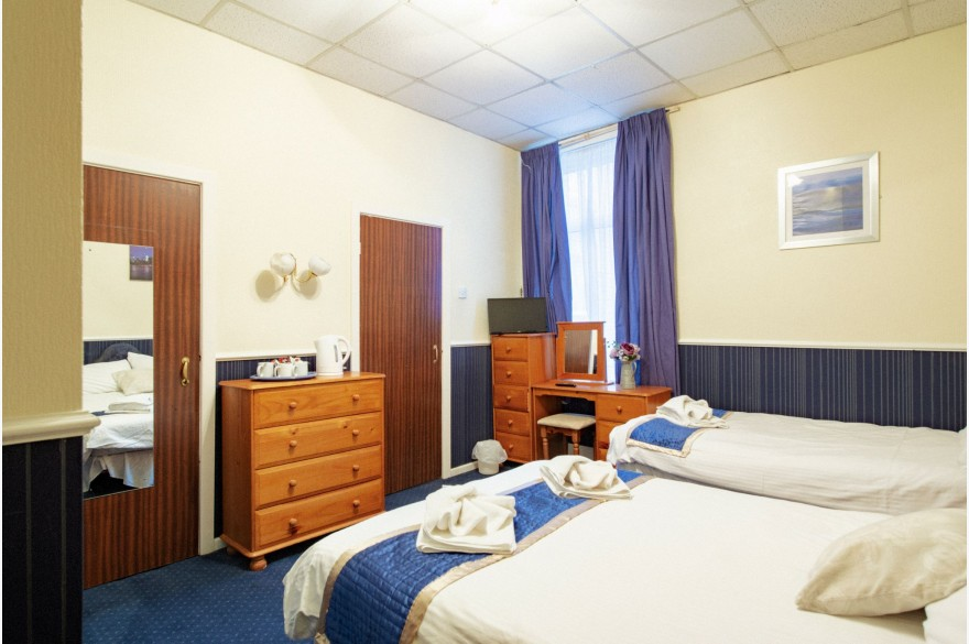 30 Bedroom Hotel For Sale - Photograph 17