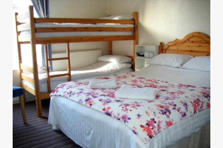 18 Bedroom Hotel Hotels Freehold For Sale - Image 9