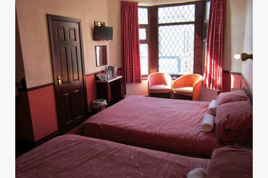 14 Bedroom Hotel Hotels Freehold For Sale - Image 10