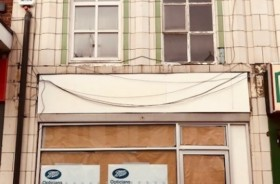 2 Bed Empty Shop & Flat/house Retail Leasehold To Rent - Main Image
