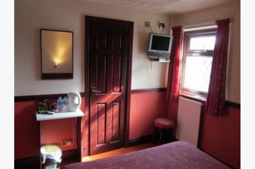 16 Bedroom Hotel Hotels Freehold For Sale - Image 11