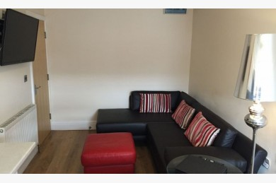 Commercial Property For Sale - Photograph 8